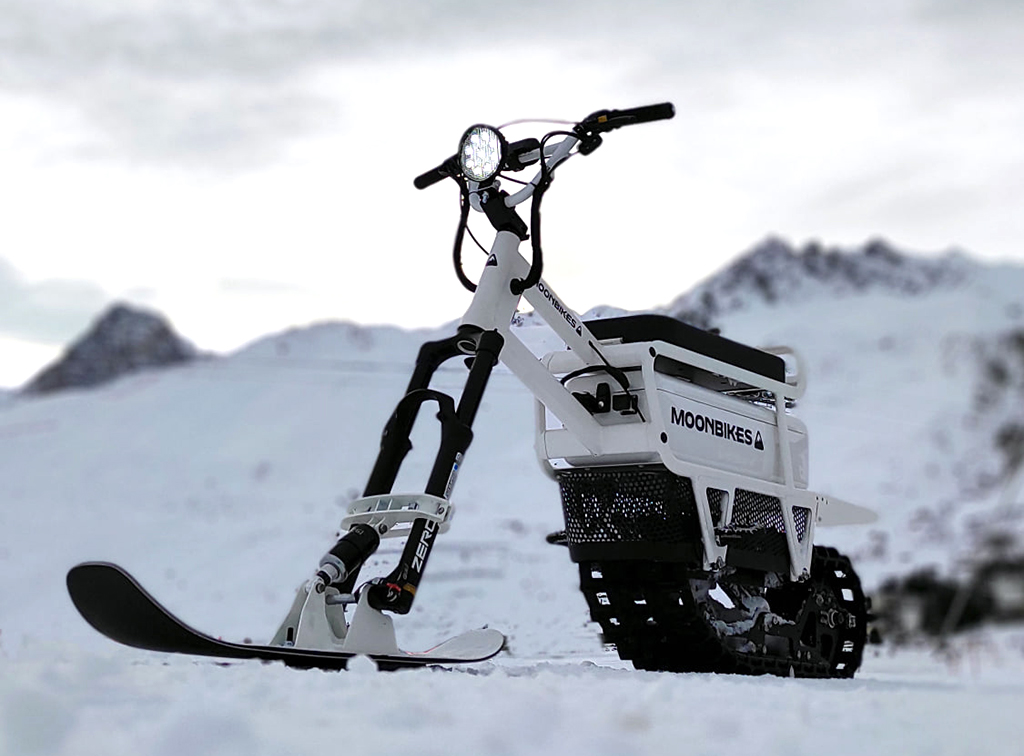 Moonbikes is an ultralight 100% electric snow bike
