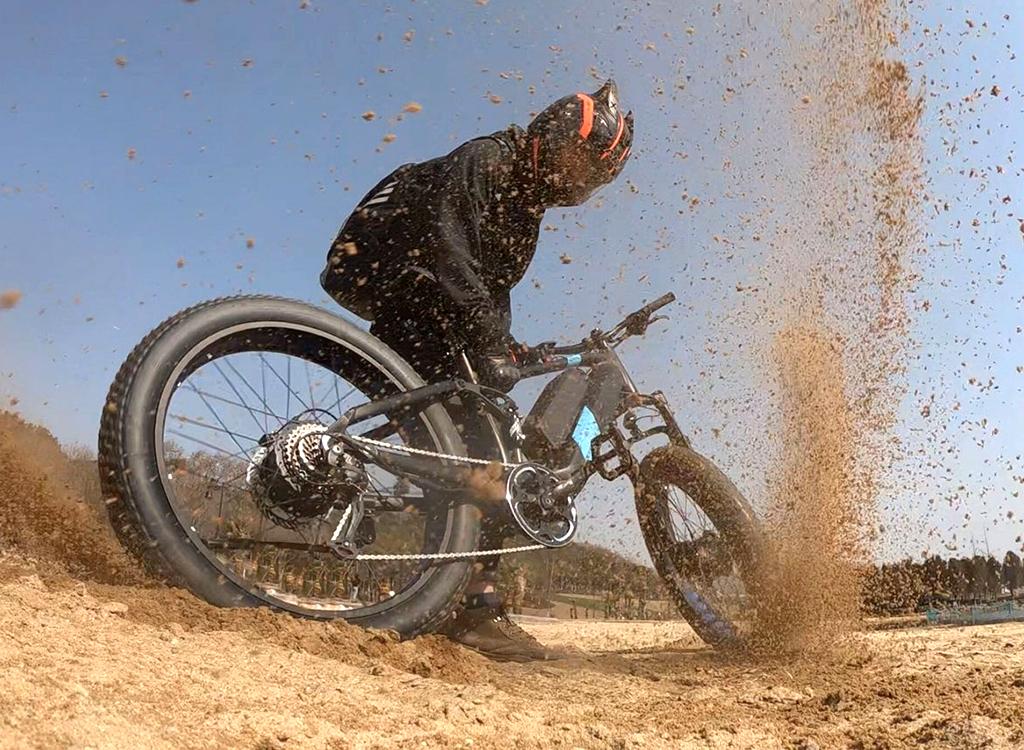All-terrain powerful fat-tire e-Bike from Eunorau